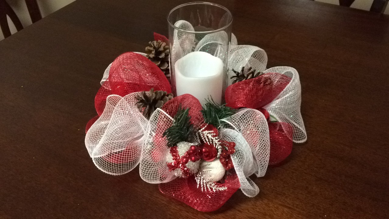 DIY - Christmas Deco Mesh Centerpiece