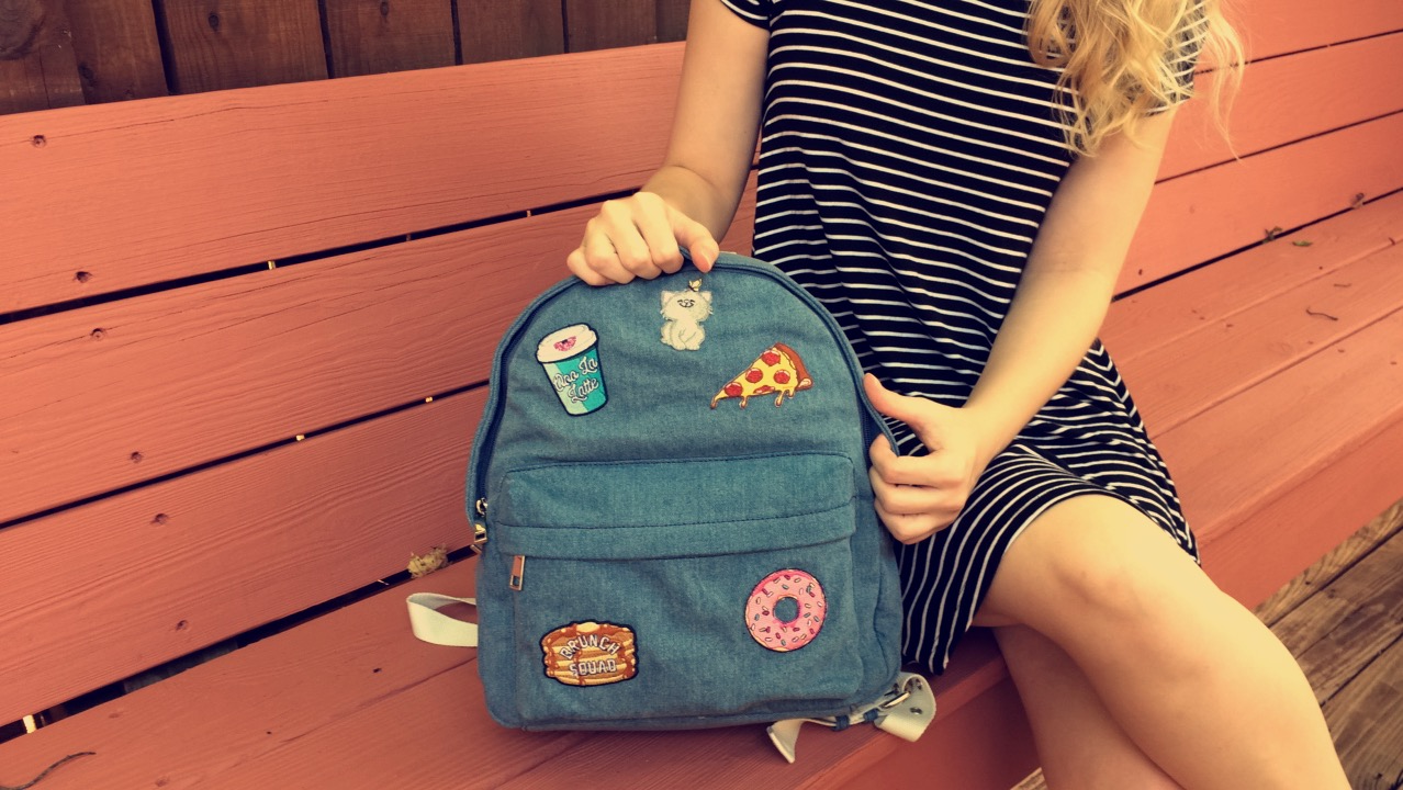 [DIY – Denim Backpack With Patches]