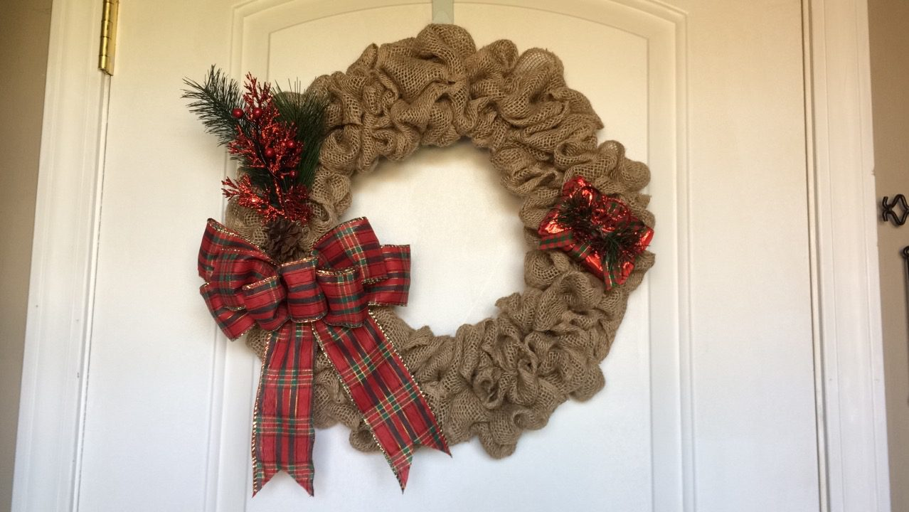 [DIY – Christmas Burlap Wreath for Less Than $8!]