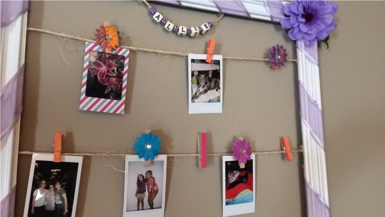 [DIY – Polaroid Wall Frame]