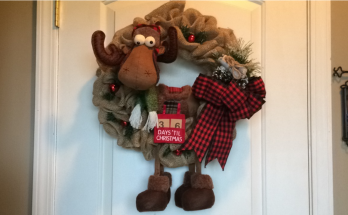 DIY - Christmas Moose Wreath
