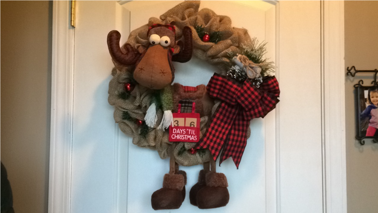 [DIY – Moose Burlap Christmas Wreath]